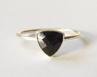 ON SALE Triangle Onyx Silver Ring