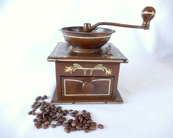vintage coffee grinder, dovetailed wood and cast iron, Wrightsville Hardware Co. Pennsylvania, kitchen decor, vintage coffee mill