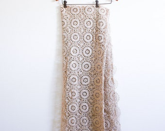Vintage Lace Tablecloth / Hand Crocheted with 12 Napkins