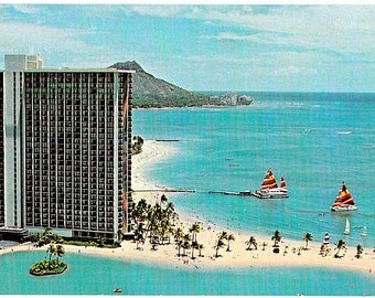 Vintage Hawaii Postcard - Hilton Hawaiian Village on Waikiki Beach in Honolulu (Unused)