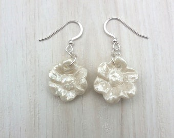 Pearl Earings - Pearlescent Earrings - Pearly Earrings - Pearl Earrings UK - Pearl Flower Earrings - Birthday Presents For Her