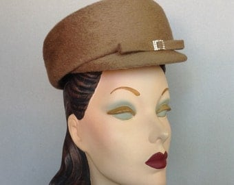 Vintage Inspired Beige Pillbox Cap with Rhinestone Buckle and Bow Trim