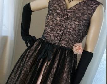Vintage 1940s 1950s Black Chantilly Lace Pink Taffeta Dress Size S Goth Divine