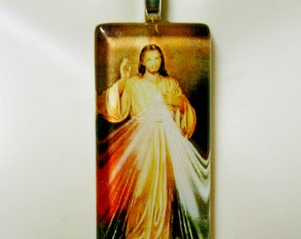 Divine mercy pendant with chain - GP01-816