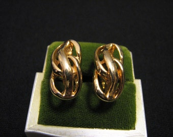 MINT Vintage Trifari Gold Plated Swirled Knot Clip Earrings