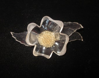 Collectible CLEAR FLOWER Bakelite Celluloid Lucite With Applejuice Center Brooch