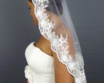 Lace Mantilla Veil, White 3D Lace Bridal Veil with Silver Details, Short Lace Veil