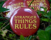 """Stranger Things Rules 2.25"""" Button Pin Badge"""