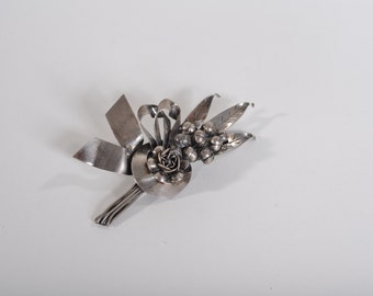 Vintage 1940s Hobe Brooch Sterling Silver Pin Boutonniere Fashions Floral Bouquet