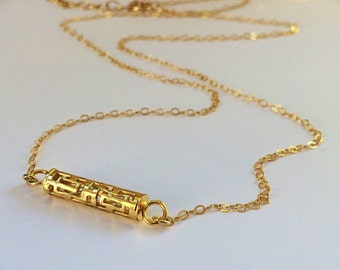 Minimalist Bar Necklace in Gold. Layered necklace.