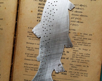 Fish bookmark with wooden sleeve (dark)