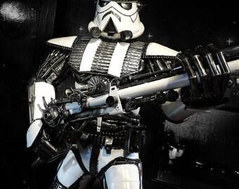 Recycled Metal Elite Soldier (2.5 m height)