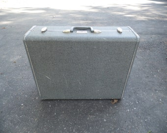 Suitcase vintage large Samsonite gray tweed suitcase with gray interior for display, storage, projects, travel and more 23 1/2  by 18 by 8""