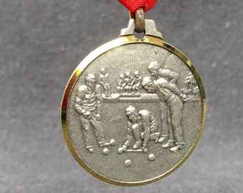Vintage French ball competition souvenir medal. Third place Pétanque game winner award.