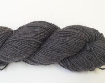 O-Wool Local, Ash, alpaca yarn.