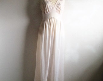 Vintage 1970s Pink Negligee VAN RAALTE 70s Pink Embroidered Chiffon Night Gown 36