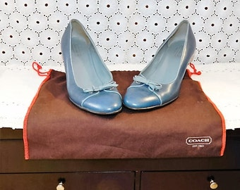 GORGEOUS Authentic Vintage COACH---- Deep Sky Blue Leather Pumps--- Made in ITALY -- Size 8.5
