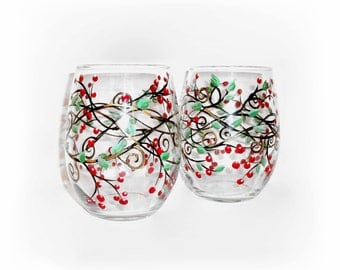 Red Berries Christmas Berries & Vines Hand Painted 2 / 21 oz. Stemless Wine Glasses Red Berry Vines Green Leaves Red Green Gold