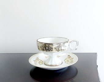 Iridescent Tea Cup And Saucer Vintage Royal Crown Lusterware Tea Set Golden Yellow Pearl Footed Teacup Shabby Chic Home Decor Hostess Gift