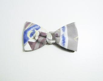 Artsy Pale Brushstrokes Vintage Bow Tie