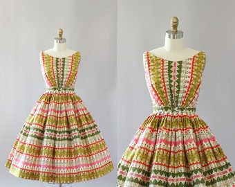Vintage 50s Dress/ 1950s Cotton Dress/ Green & Pink Floral and Heart Print Cotton Dress w/ Bow Belt XS