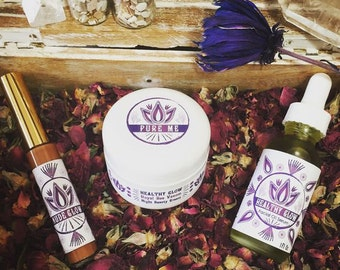 Royal Healthy Glow Bee Venom Beauty Kit / 3 Products: 1 Bee Venom Face Night Cream; 1 Healthy Glow Daily Serum; 1 Bee Venom Lip Booster