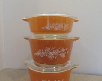 Pyrex Butterfly Gold Pyrex Baking Dish 6 Pc Pyrex Gold with Floral Motif Pyrex