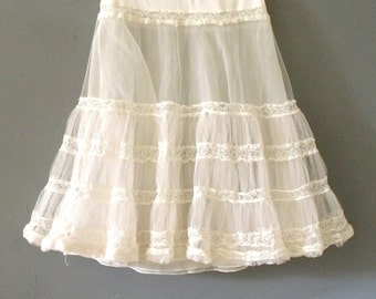 50's Vintage Petticoat~Sheer Tulle White Crinoline~Romantic Lace Lingerie~Size S~Lolita~Rockabilly~Cosplay