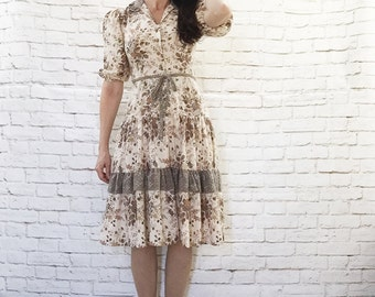 Vintage 70s Tiered Prairie Dress XS S Calico Floral Paisley Belted Puff Sleeve Knee Length Beige Brown