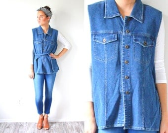 Vintage medium blue jean vest // jean jacket // summer vest // boho jean vest // bohemian vest // medium oversized small in vest button