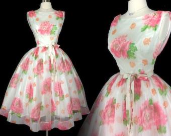 Vintage 1950s Dress//50 Dress//Cabbage Roses//New Look//Rockabilly//Femme Fatale//Wedding//Floral//Mod