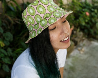 Kiwi print bucket hat