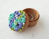 Blue Turquoise Rose Flower Ring Box Wooden Round Decorated Engagement Ring Holder Ring Case Wedding Bridal Birthday Gift Decor