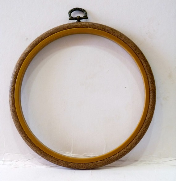 Round embroidery flexi hoop by creativecraftsupplys on etsy