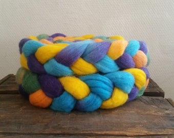 Color my world: Hand dyed BFL Top (Roving) 113 gram / 4 oz Spinning and Felting Fiber