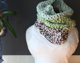 Crochet Cowl,Cowl Scarf,Knit Cowl,Loop Scarf,Chunky Knit,Crochet Scarf,Knit Scarf,Neck Scarf,Neck Warmer,Green,White,Blue,Purple,Gift