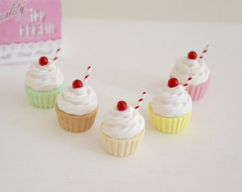 Play Scale 1:6 Scale Classic Milk Shake Ice Cream Cupcakes