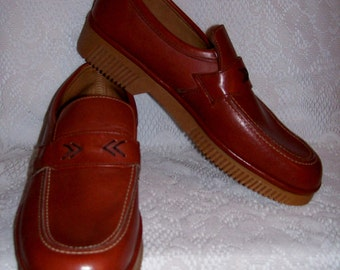 Vintage 1970s Men's Brown Leather Slip Ons Loafers by Dexter Size 9 N NOS Disco Only 14 USD