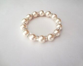 Pearl Bracelet ~ Chunky ~ Swarovski pearls and crystals ~ Crystal fireballs ~ Elegant ~ Bridal Jewelry ~ Bridesmaids bracelet