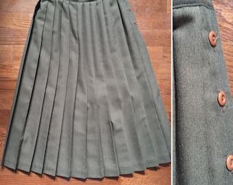 1980s pleated skirt, brown pleated skirt, 80s calf length skirt, pleated skirt, by Lloyd, large skirt, school girl, maxi skirt