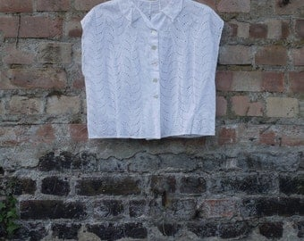 1950s broderie anglais white cotton blouse with lace collar