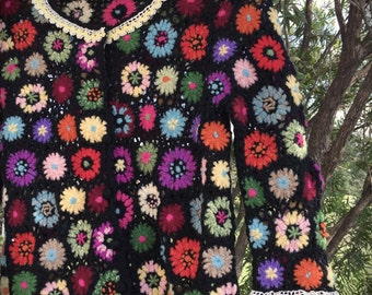 Izzy Roo Sweet Boho 70's Style Granny Square Sweater Vintage Crocheted Trim Size Small