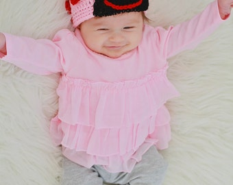Love Bug, Valentine's Day Hat, Crochet Baby Hat, Valentine's Outfit, Valentine's Day Baby, February Baby, Coming Home Outfit, Trendy Baby