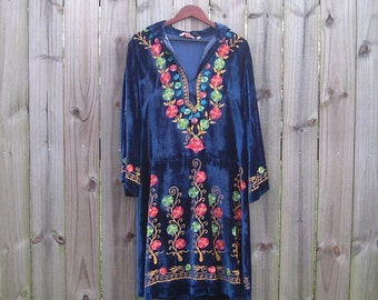 M L Medium Large Vintage 60s 70s Blue Velvet Indian Ethnic Embroidered Bell Sleeve Festival Hippie Flower Power Dress Caftan Kaftan
