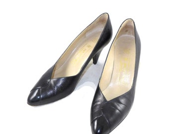Vintage Bruno Magli italian black leather pumps - mid heel - wrap detail with lizard print at toe, 9.5 M B shoes