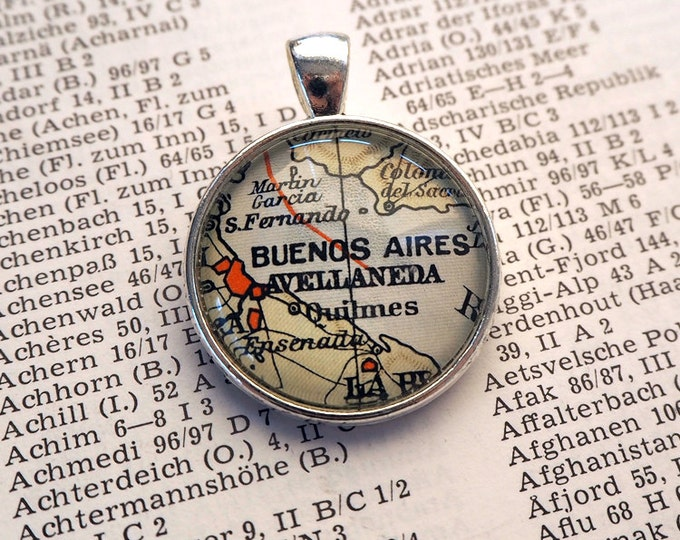 NECKLACE or KEYCHAIN, Argentina, Buenos Aires, Map-Pendant, Cabochon, Glass, Atlas, Vintage, Jewlery
