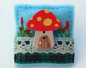 Toadstool brooch - fairy toadstool - fairies - gifts for fairy lovers - hand sewn brooch - garden mushroom