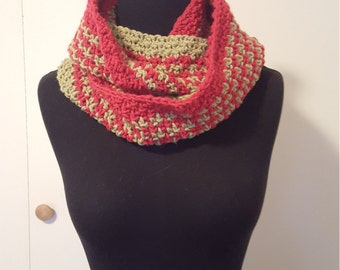 Moss Stitch Infinity Scarf -- Beige and Red