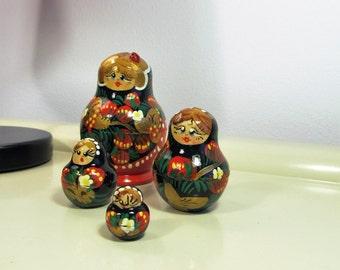 Vintage Russian Matryoshkas Nesting Dolls Babushka Doll