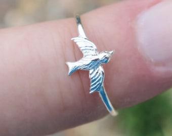 Dainty Vintage 925 Sterling Silver Bird Ring